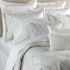 Dress your bed in high-end style with the exquisite Vera Wang Fretwork Duvet Cover. Embellished with a texture design in tonal cream hues, the lavish bedding is a simple yet elegant way to create a relaxing ambiance perfect for easing into a deep sleep.