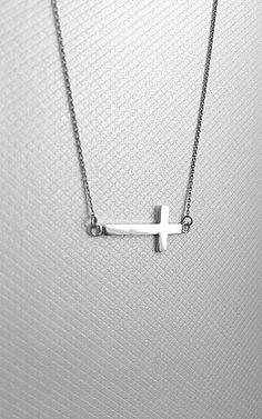 Na krzyż. Silver necklace.