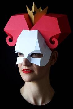 MEDUSA Mask - Make your own Medusa with this low-poly paper mask template Easy Halloween Costumes For Women, Halloween Masks, Halloween Diy, Halloween 2020, Low Poly, Anubis, Diy Fairy Wings, Mask Template, Animal Masks