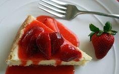 Cheesecake με στέβια και σως φράουλας - http://www.daily-news.gr/cuisine/cheesecake-me-stevia-ke-sos-fraoulas/