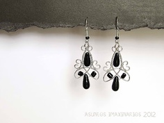 Earrings: stainless steel and glass beads