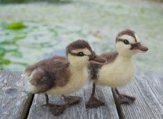 Nadel Felted Entenküken braun und gelb von ClaudiaMarieFelt auf Etsy