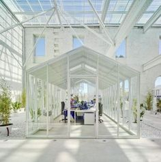 sun-filled living spaces - Interior designer and architect Manuel Ocaña has created a gorgeous sun-filled living space by converting a greenhouse into a bright and breezy ab. Cool Office Space, Office Space Design, Office Interior Design, Interior And Exterior, Office Designs, Small Office, Simple Interior, Office Interiors, Best Office