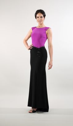 Lorellana Couture Inc. Tailored In the silky smooth tri-acetate crepe, upscale your evening with this gorgeous and fashionable contrasting evening gown. Mother Of The Bride Gown, Evening Dresses, Formal Dresses, Bride Gowns, Smooth, Glamour, Couture, Wedding