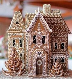 Gingerbread House Designs, Christmas Gingerbread House, Noel Christmas, Christmas Desserts, Christmas Treats, Christmas Baking, Winter Christmas, Christmas Cookies, Christmas Decorations