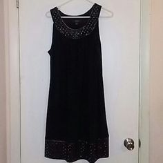 Dress Size 12 Excellent Condition from Dressbarn. 95% polyester 5% Spandex. Black and Silver. Dress Barn Dresses Midi