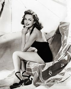Geraldine Fitzgerald---She achieved two significant successes in 1939; she received a nomination for an Academy Award for Best Supporting Actress for her role as Isabella Linton in ''Wuthering Heights'' and had an important role in ''Dark Victory'', with both films achieving great box office success.