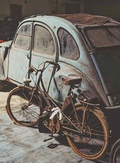 This can be very true with regards to about Vintage Motorcycles. Drive one nearby and all minds transform, nodding in approval. Abandoned Buildings, Abandoned Houses, Abandoned Places, Vw Vintage, Photo Vintage, Old Bicycle, Bike, 2cv6, Posters Vintage