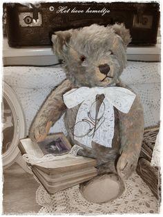 Mr Groeneveld. Teddy Edwards, Old Teddy Bears, Love Bears All Things, Bear Toy, Dollhouse Dolls, Soft Sculpture, Old Toys, Vintage Dolls, Cuddle