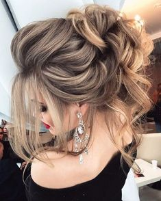 Best hair styles to suit your style. Discover the best hair models that suit your style. Hair models used by celebrities. You can find the best hair designs of the last period here. Wedding Hairstyles For Long Hair, Wedding Hair And Makeup, Formal Hairstyles, Bride Hairstyles, Pretty Hairstyles, Bridal Hair, Hair Makeup, Fashion Hairstyles, Hairstyle Ideas