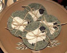 Penny Rug Coasters: Broken link, but cute photo Penny Rug Patterns, Wool Applique Patterns, Felt Applique, Felt Embroidery, Felt Patterns, Sheep Crafts, Felt Crafts, Sewing Crafts, Sewing Projects