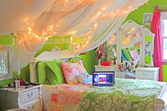 Love the combination of pink and green!