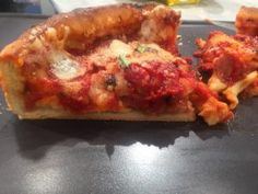 Η τέλεια σπιτική πίτσα και τα μυστικά της | Argiro.gr - Argiro Barbarigou Food Categories, Pizza Dough, Meatloaf, Recipies, Chicago, Breads, Recipes, Rezepte, Braided Pigtails