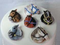 my gum paste horse toppers