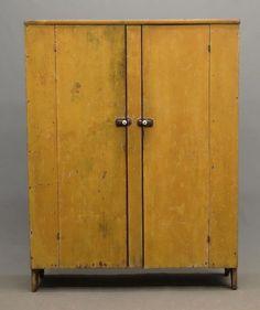 19th c. Cupboard : Lot 245