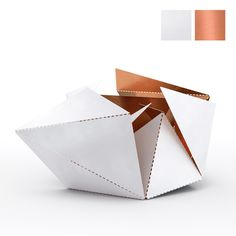 Folding Lamp by Thomas Hick The Folding Lamp comes in 6 versions to match your style and your interior. The combination of Matt White & Copper, with an unique geometric design is worth a repin, don't you think? Thanks in advance! #foldinglamp #ThomasHick
