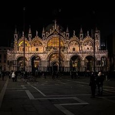 Serata Veneziana - #fotografia #italia #italy #photography #venezia #venice #nightphotography #paintingwithlight #travelphotography #PhotosByTMLipp #followme #peace