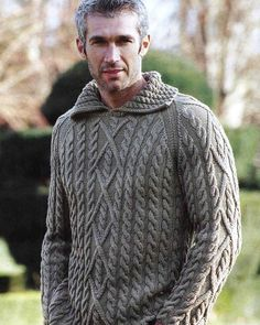Polo Sweater, Cable Knit Sweaters, Men Sweater, Handgestrickte Pullover, Hand Knitted Sweaters, Knitting Designs, Pulls, Hand Knitting, Knitwear
