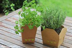 ▲ DIY - un mini jardin aromatique ▲ #mysweetboutique- Also great idea for guest gifts-to go mini-box plants.