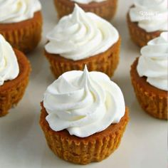 Pumpkin Pie Cupcakes are tiny pumpkin pies you can eat with your hands. Such a yummy dessert recipe for fall and Thanksgiving! Fall Dessert Recipes, Thanksgiving Desserts, Fall Desserts, Christmas Desserts, Delicious Desserts, Christmas Cooking, Thanksgiving Prayer, Thanksgiving 2020, Thanksgiving Outfit
