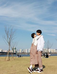we are made of stardust Cute Couples Goals, Couple Goals, Couple Style, Travel Pose, Couple Outfits, Couple Clothes, Couple Shots, Korean Couple, Couple Photography Poses