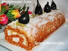 BAL KABAKLI RULO PASTA Hani hep derin dondurucuya tuzlu şeyler atarız ansızın gelen misafi... Waffle Iron, Pastry Cake, Turkish Recipes, Yummy Cakes, Deserts, Food And Drink, Tart, Pumpkin, Cooking
