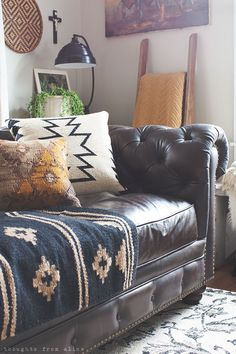 Last April, I shared our living room redo with a new leather sofa. Overall the room has a rustic, vintage style with bohemian touches. Since I get a l… – Living room Living Room Redo, Living Room Designs, Living Rooms, Deco Boheme Chic, Bohemian Living, Bohemian Style, Boho Chic, Bohemian Decor, Shabby Chic