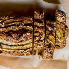 Koolhydraatarm bananenbrood met amandelen en kokos Low Carb Recipes, Healthy Recipes, Oatmeal Muffins, Eat Your Heart Out, Fodmap, Food Inspiration, Banana Bread, Healthy Life, Pork
