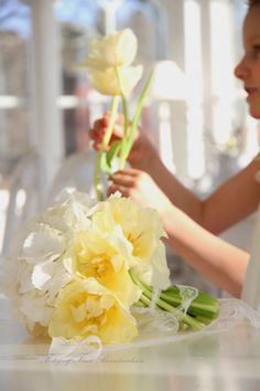 bright yellow tulips & hydrangeas | White dreams & naughty children