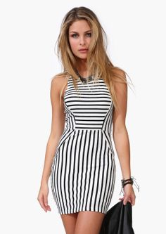 Stripe #dress in black and white.