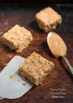 Peanut Butter Oatmeal Bars {Gluten Free} - these one-bowl bars make a great breakfast or snack | Nutritious Eats