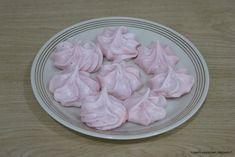 Kissankäpälä: Karpalopuolukkamarengit, cranberry lingonberry mer... Cranberries, Meringue, Icing, Vegetables, Desserts, Food, Merengue, Tailgate Desserts, Deserts