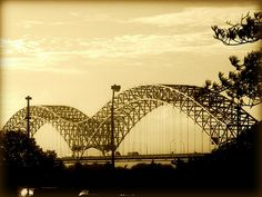 _The Hernando de Soto Bridge across the Mississippi River between West Memphis, Arkansas and Memphis, Tennessee, USA. Beautiful Places To Visit, Beautiful World, Places To See, State Of Tennessee, Memphis Tennessee, West Memphis, Memphis Art, Arkansas Tourism, Over The Bridge