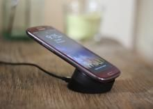 With this easy hack, you can salvage parts from the retired Palm Pixi and use them to add wireless charging to your Samsung Galaxy S3. Read this article by Sharon Vaknin on CNET. via @CNET