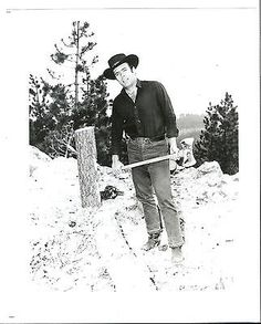 Pernell Roberts , Adam Cartwrite , Bonanza TV show photograph Bonanza Tv Show, Pernell Roberts, Movie Tv, The Past, Tv Shows, Actors, Westerns, Photographs, Fictional Characters