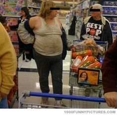 Funny Pictures of People Shopping at Walmart Walmart Funny, Only At Walmart, People Of Walmart, Stupid People, Crazy People, Walmart Stuff, Stupid Things, Hate People, Funny Things
