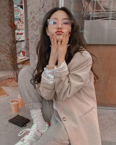 Korean Girl Ulzzang, Ulzzang Girl Fashion, Korean Girl Fashion, Korean Street Fashion, Asian Fashion Style, Korean Spring Fashion, Korean Fashion Styles, Ulzzang Short Hair, Korea Street Style