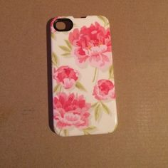 iPhone 4/4s case floral Floral iPhone 4/4s case. Gently used. Made by Agent18. Agent18 Accessories