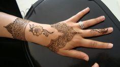Inspired by internet pic ... henna by zakiyya, www.facebook.com/hennaartdurban