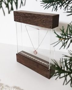 """Jewelry display showcase """" Maxi """" for traveling jewelrydesigners craftshow or shopwindow with engraved diamant pattern Wood Jewelry Display, Jewellery Display, Jewelry Box, Teenage Girl Room Decor, Acrylic Box, Clear Acrylic, Jewelry Showcases, Shop Till You Drop, Craft Markets"""