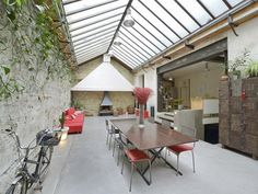 Dining, Glass Roof, Barbecue - Daniel Féau Conseil Immobilier Glass Roof, Courtyards, Porches, Barbecue, Dining Table, Loft, Outdoors, Houses, Real Estate Tips