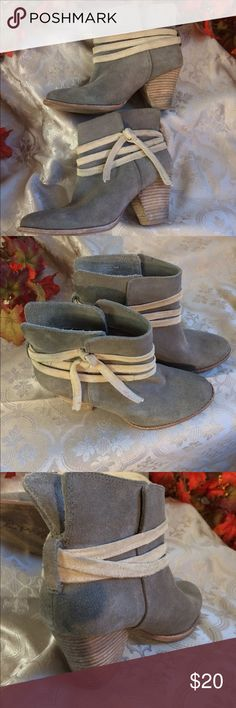 Short suede boots The boots are in very good condition, the heels a some stain from wear. Splendid Shoes Heeled Boots