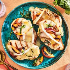 Grilled Peach & Brie Smothered Chicken Brie, Grilling Recipes, Cooking Recipes, Healthy Recipes, Vegetarian Grilling, Healthy Grilling, Barbecue Recipes, Skinny Recipes, Healthy Meals