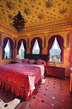 Red has been used as one of the main colours in a Moorish decor for generations. #interiordesign #bedrooms