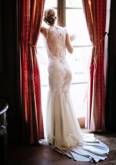 Claire Pettibone & Viola' wedding dress photographed by Elizabeth Messina at her 'A Lovely Workshop'   See more views/details of this dress here —> http://bit.ly/ROUr84