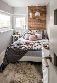 Small Apartment Bedrooms, Small Apartments, Small Spaces, College Bedrooms, Modern Bedroom, Bedroom Decor, Bedroom Ideas, Minimalist Bedroom, Bedroom Designs