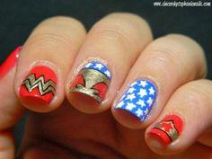 Homenajea a Wonder Woman con estas manicuras inspiradas en la súper heroína #nails #nailart #wonderwoman #manicura