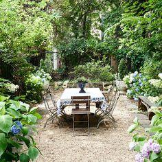 Small Backyard Patio, Backyard Landscaping, Landscaping Ideas, Backyard Ideas, Outdoor Ideas, The Secret Garden, Secret Gardens, Pea Gravel Patio, Patio Trees