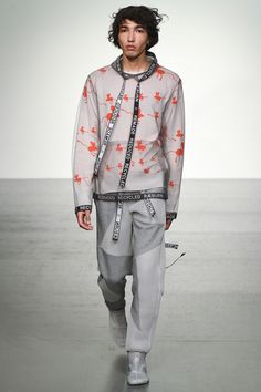 See the complete Christopher Raeburn Spring 2018 Menswear collection.