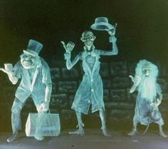 Haunted Mansion Hitchhiking Ghosts